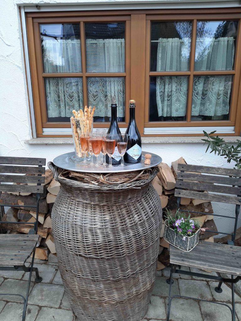 Sparkling wine reception